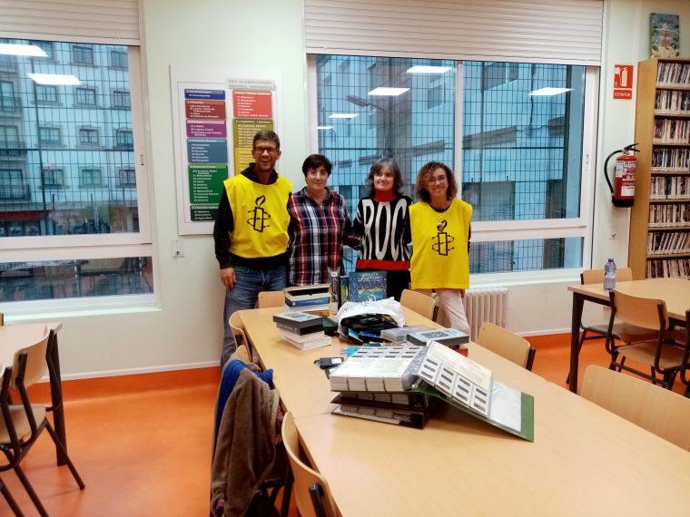 Amnistía Internacional no IES Laxeiro no marco da campaña Pupitres Libres