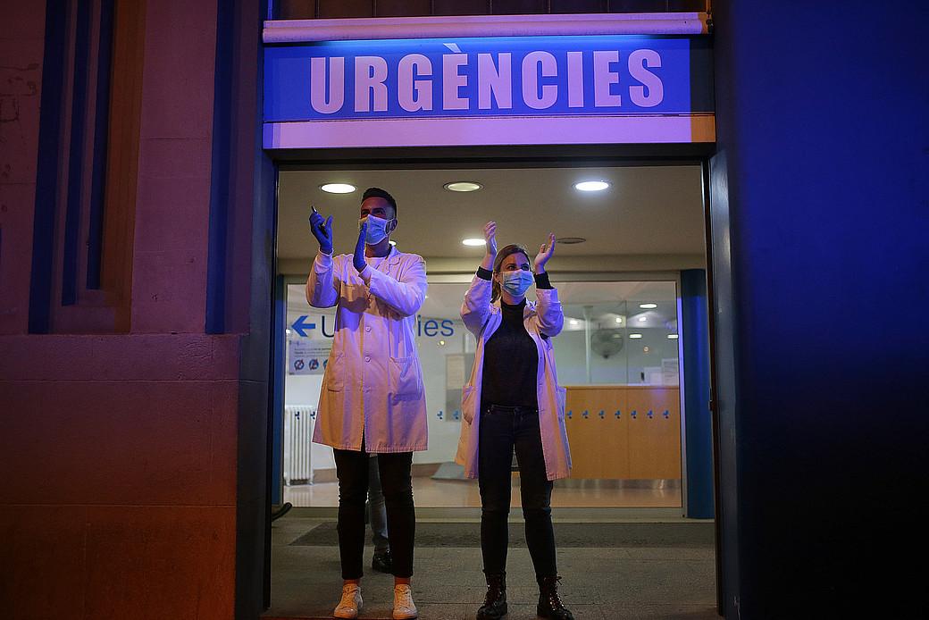 É urxente protexer a todo o persoal sanitario para facer fronte á pandemia do coronavirus