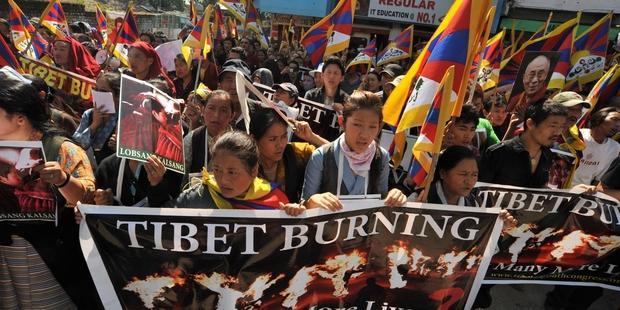 ARCHIVO: La policía china abrió fuego contra los manifestantes tibetanos en la ciudad de Diriu, Región Autónoma del Tíbet, el 6 de octubre DE 2013. © Gerardo Angiulli / Demotix