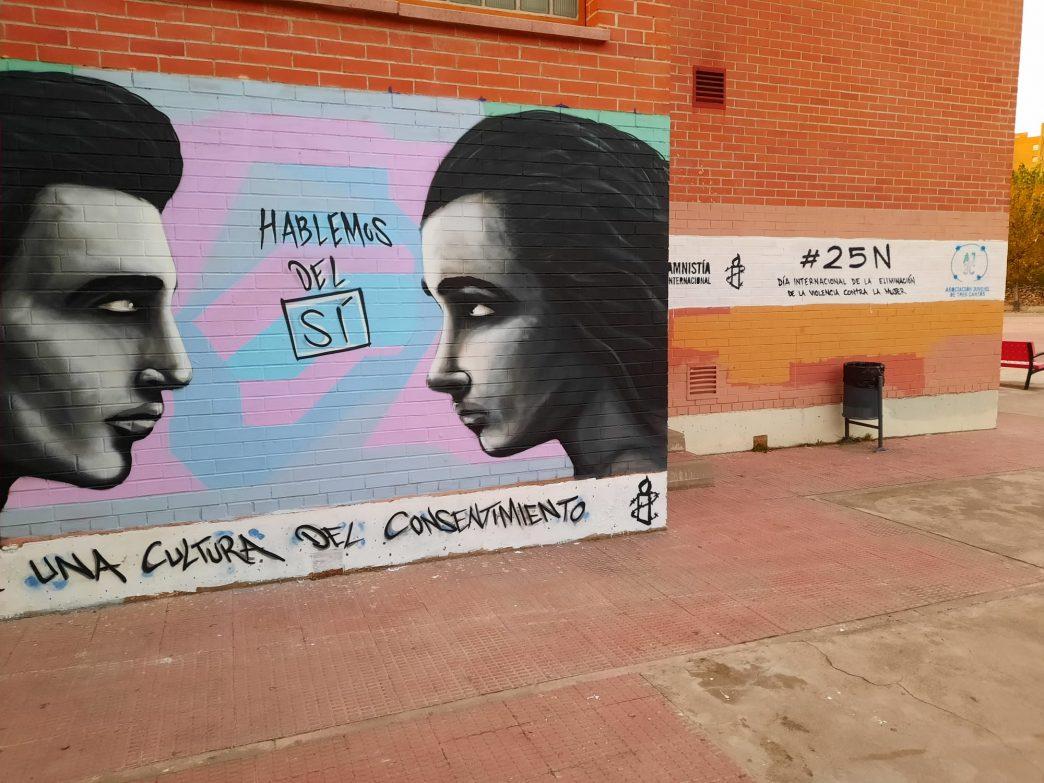 Mural realizado en un colegio de Tres Cantos para visibilidad la cultura del consentimiento en este 25 de noviembre de 2020