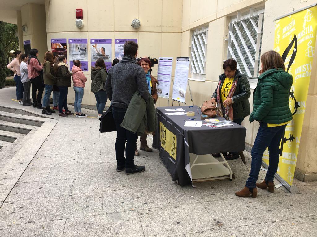 Amnistía Internacional sale a las calles de Castilla-La Mancha con la campaña #Nomáspiedras en la lucha contra la violencia sexual